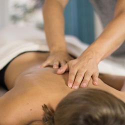 Effektiv Stress abbauen, Burnout vorbeugen und ganzheitlich erholen. Mit Ayurveda Tiefenentspannung. Pravaha Massage München.