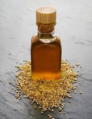 Pravaha Massage München Ayurveda - Hautpflege Entgiftung - Sesamöl